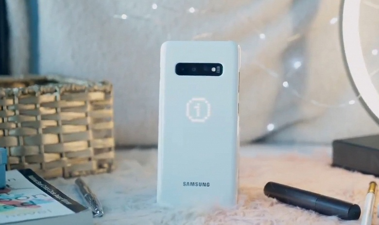 «Звёздный» чехол LED Cover для смартфонов Samsung Galaxy S10 получит сразу три режима работы