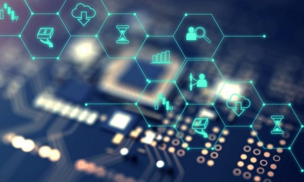 Финтех-дайджест: робот ЦБ против финансовых пирамид, банки проверяют данные абонентов сотовых операторов - 1
