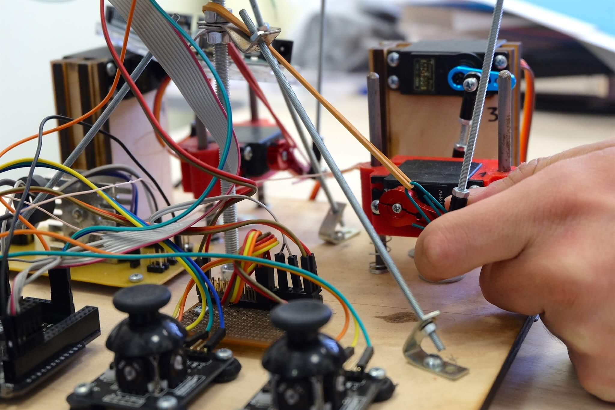 Механизированные руки и манипуляторы — рассказываем, чем занимается лаборатория робототехники Университета ИТМО - 3