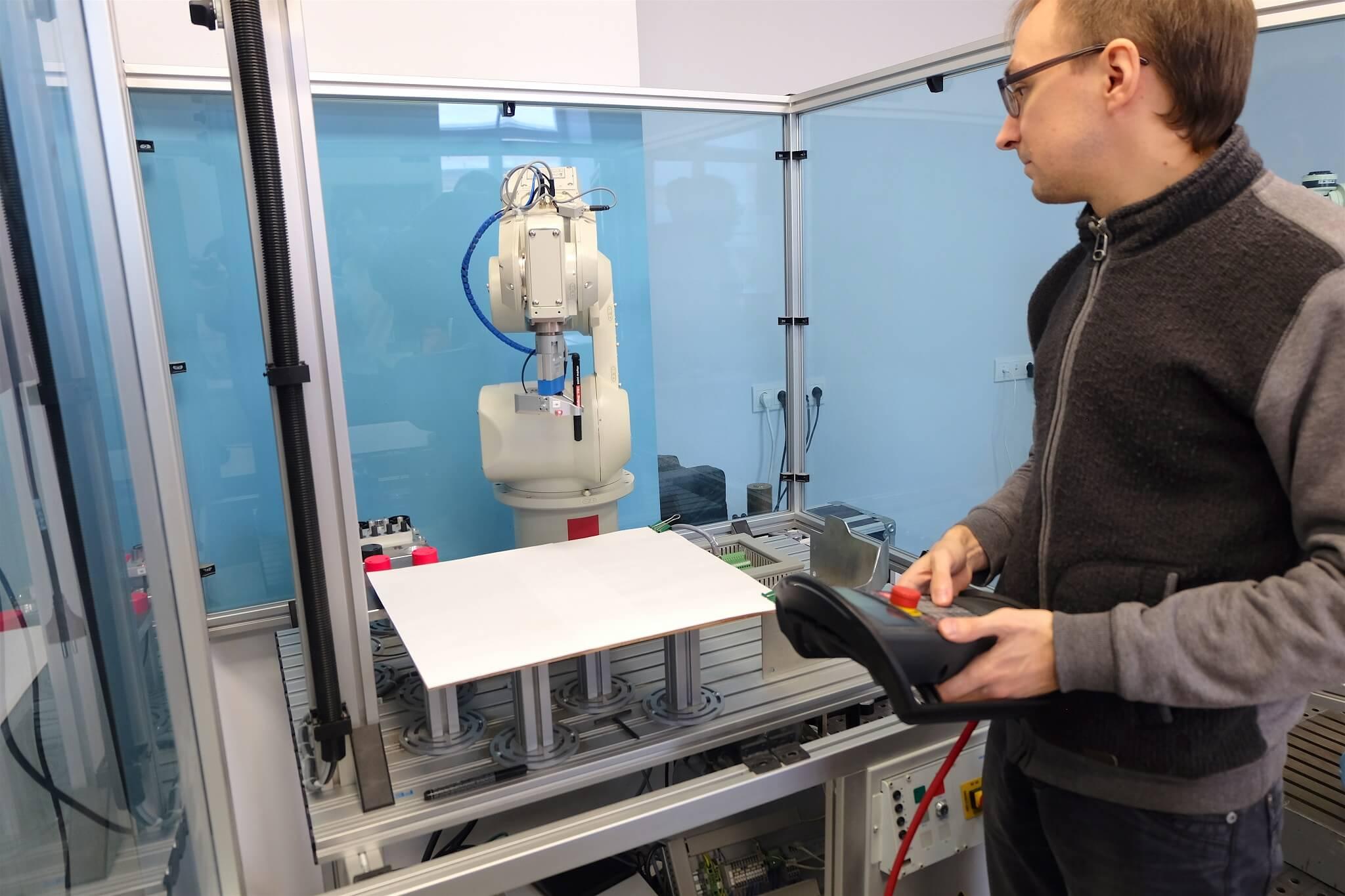 Механизированные руки и манипуляторы — рассказываем, чем занимается лаборатория робототехники Университета ИТМО - 8