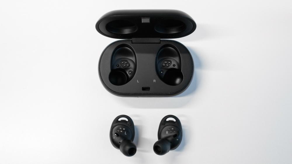Не только складной телефон: Samsung обновил всю линейку носимых устройств - 3