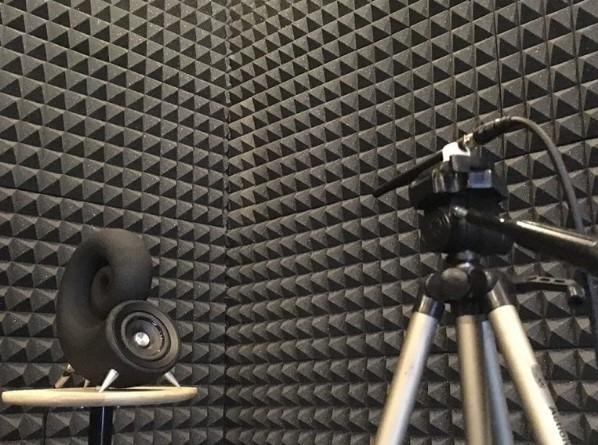 Первая серийная акустическая система из песка напечатана на 3D-принтере в Чехии - 6