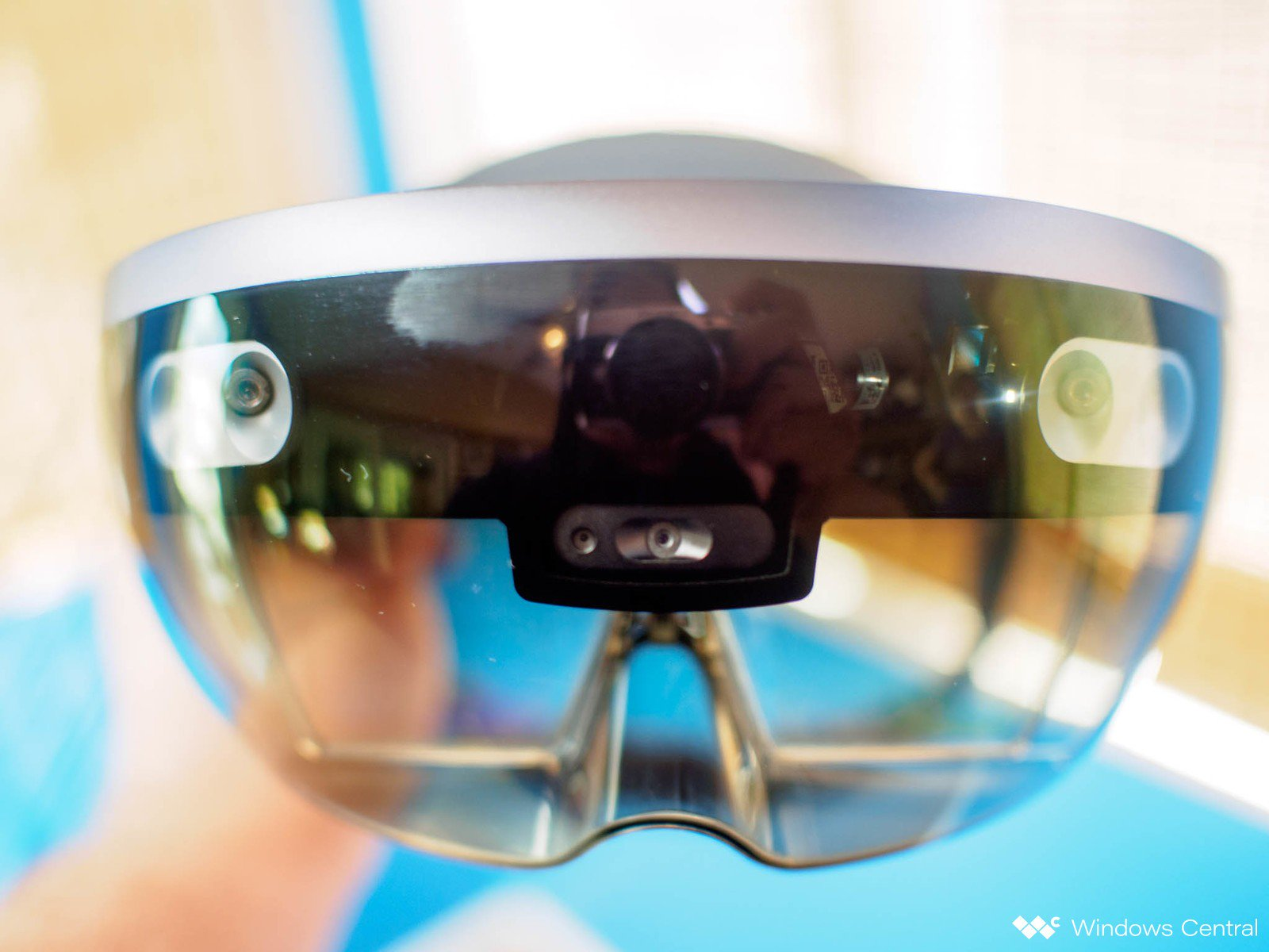 Сотрудники Microsoft выступили против использования HoloLens в армии, потому что война превращается в компьютерную игру - 1