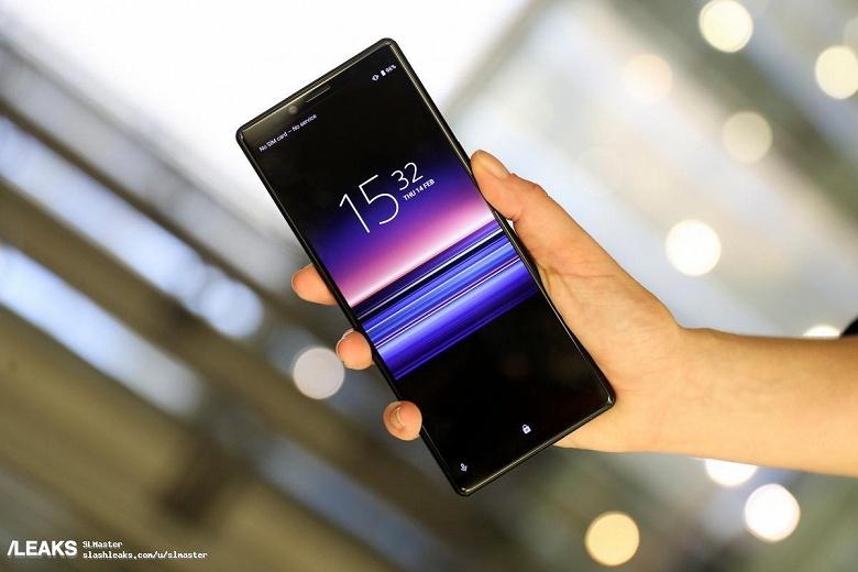 Смартфоны Sony Xperia 1, Xperia 10 и Xperia 10 Plus красуются на качественных живых фото с выставки MWC 2019