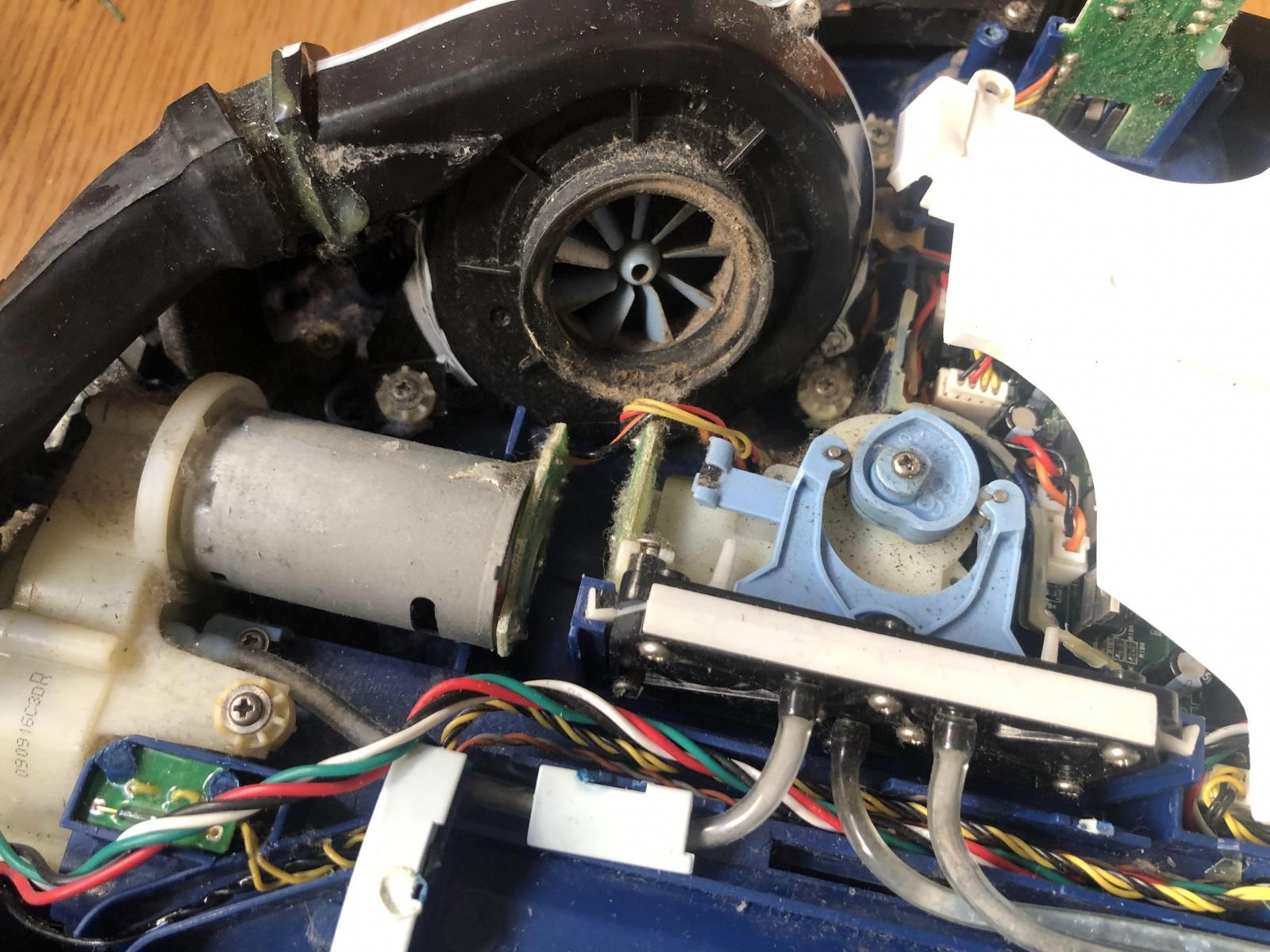 iRobot Scooba: опыт использования и решение часто встречающихся проблем моющего робота-пылесоса - 10