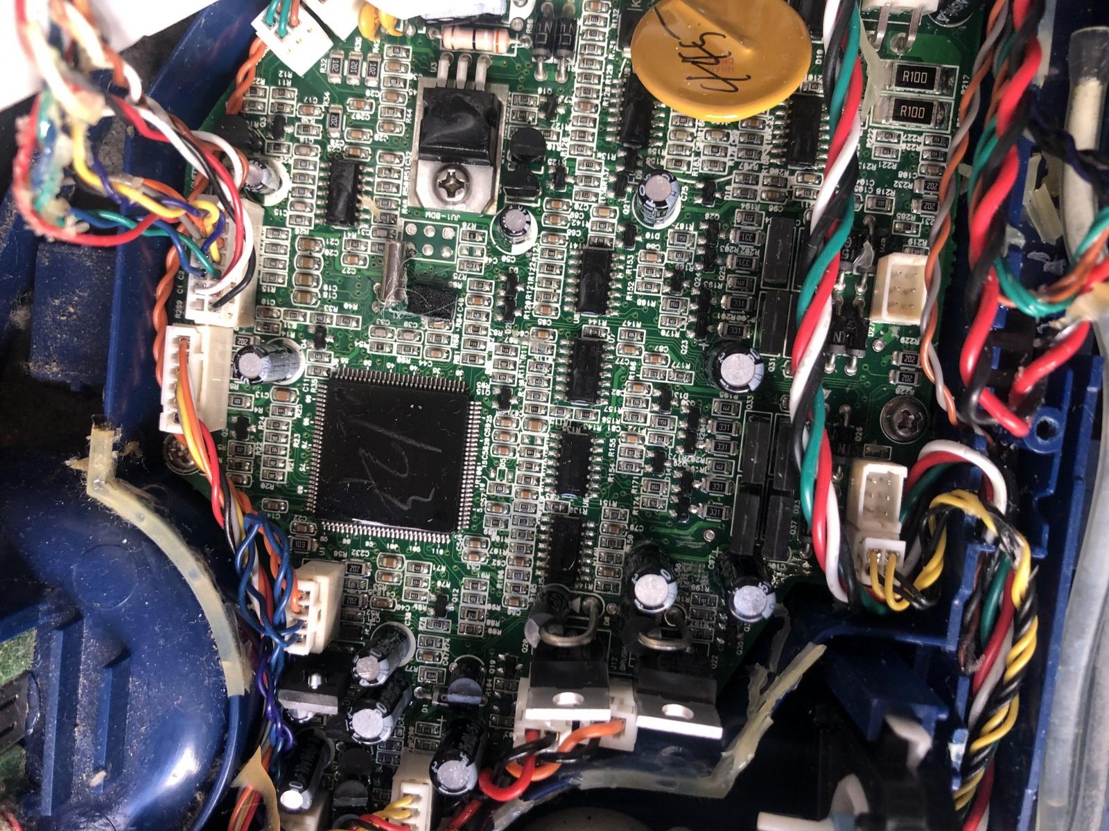iRobot Scooba: опыт использования и решение часто встречающихся проблем моющего робота-пылесоса - 11