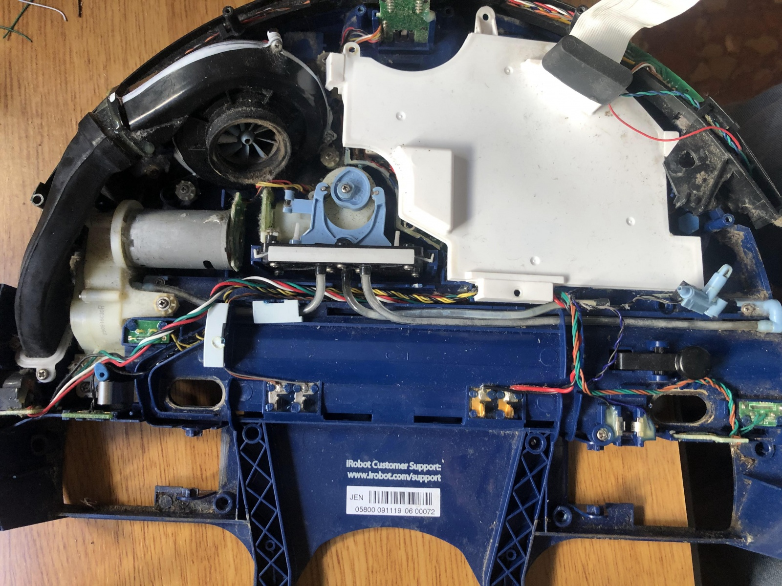 iRobot Scooba: опыт использования и решение часто встречающихся проблем моющего робота-пылесоса - 9