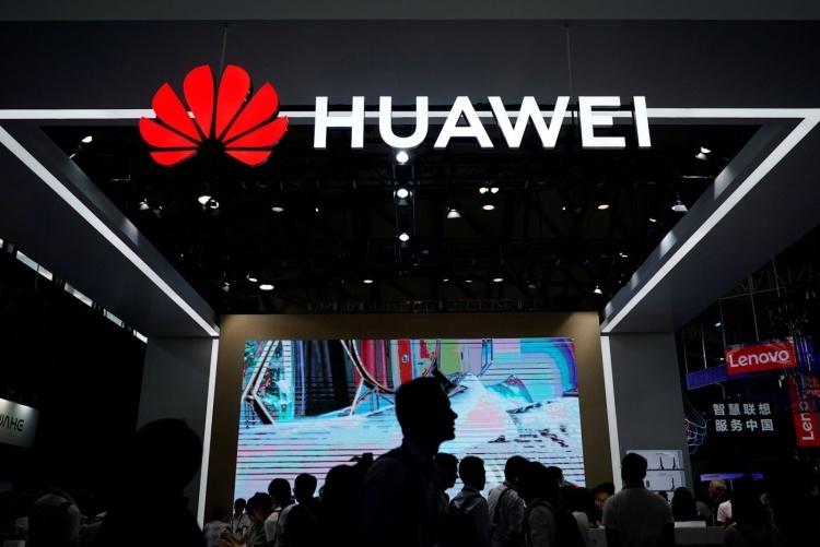 Видео с поющими китайскими детишками, прославляющими Huawei, стало вирусным
