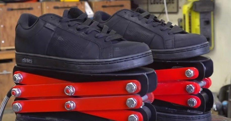 Ботинки на гидравлическом приводе: для тех, кто не вышел ростом