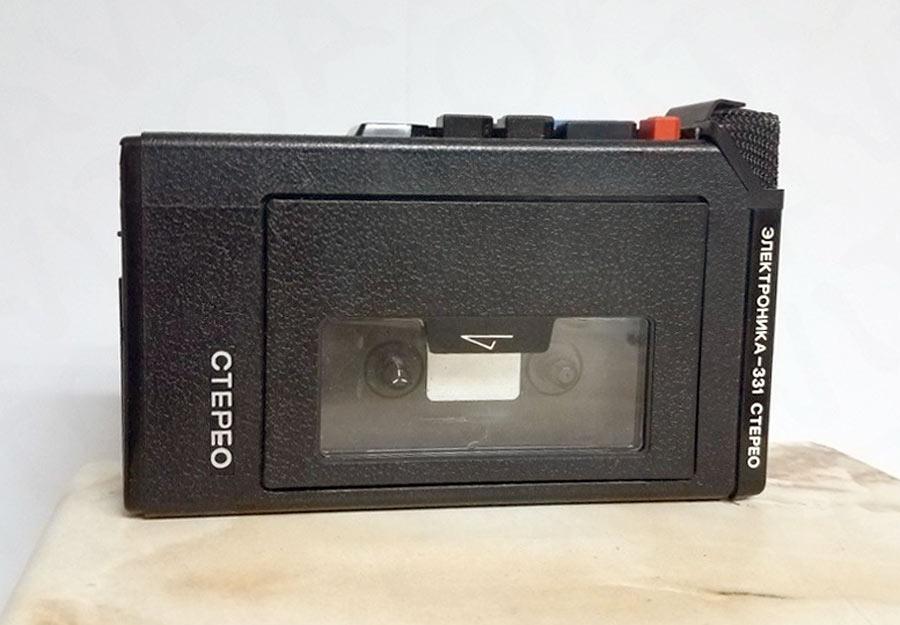 История советских кассетников (часть вторая): бум Walkman`ов, гаджет для КГБ и магнитофоны-конструкторы - 11