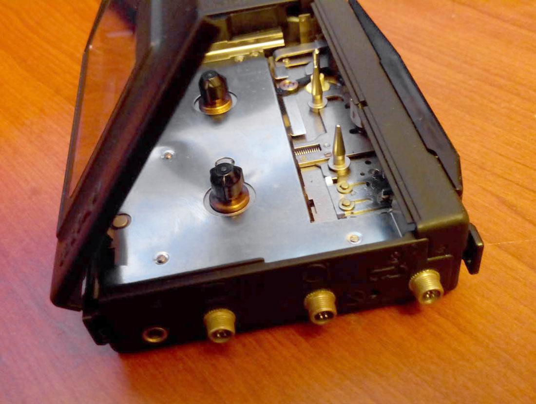 История советских кассетников (часть вторая): бум Walkman`ов, гаджет для КГБ и магнитофоны-конструкторы - 16