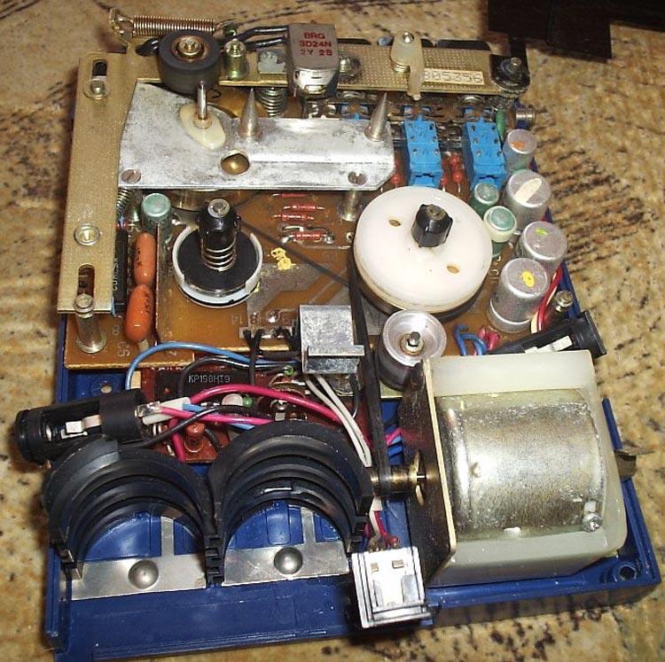 История советских кассетников (часть вторая): бум Walkman`ов, гаджет для КГБ и магнитофоны-конструкторы - 23
