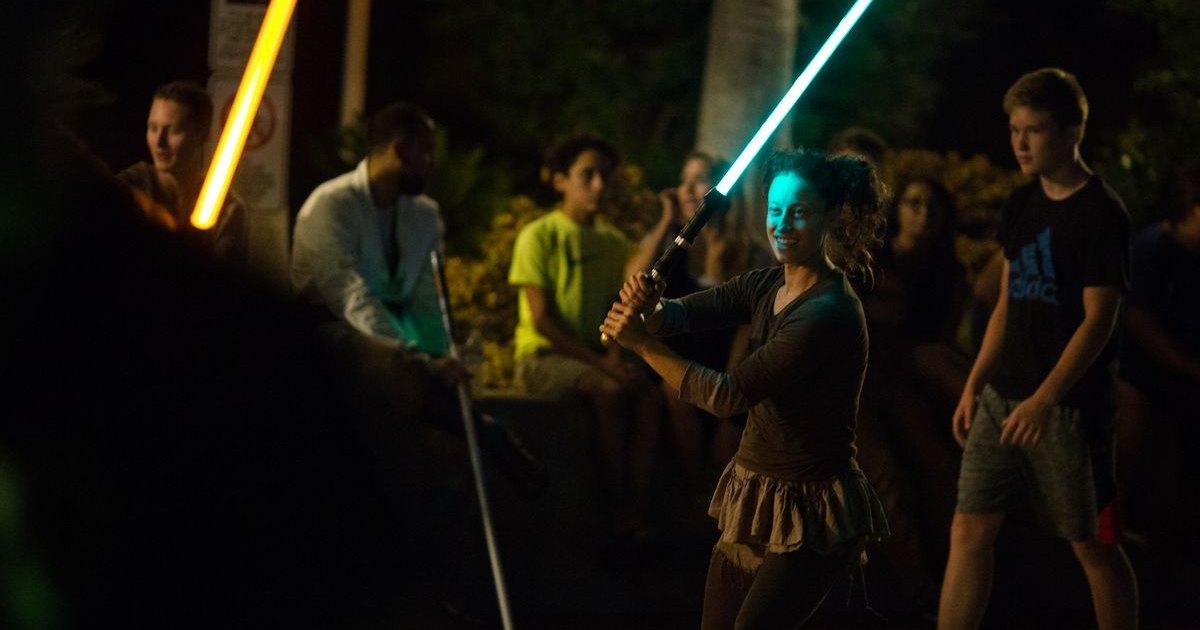Реалистичная дуэль на световых мечах: видео