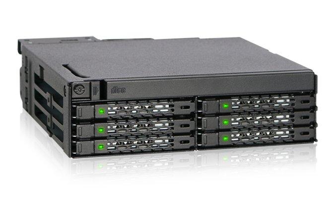 Icy Dock ToughArmor MB606SPO-B позволяет разместить в отсеке типоразмера 5,25 дюйма оптический привод и до шести накопителей