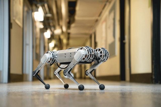 Робот-гепард от MIT умеет делать сальто назад и быстро бегать - 1