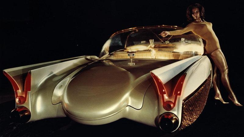 Концепт из 1950-х оснастили прозрачными светящимися шинами