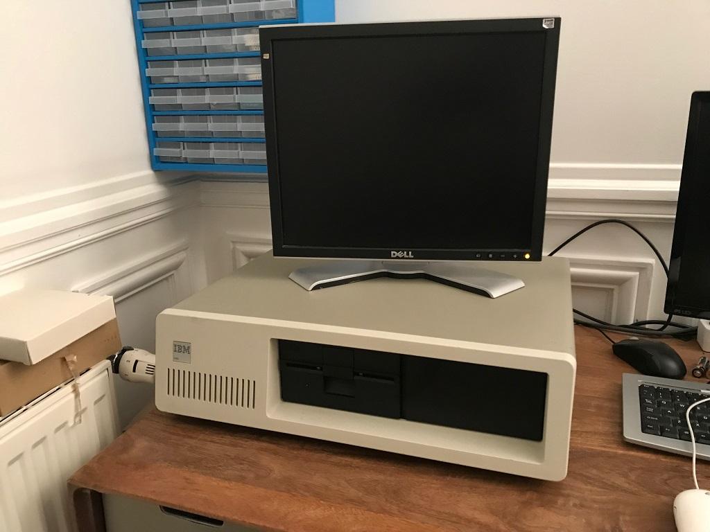С чего начиналась монополия, или немного возни с IBM PC 5150 - 1