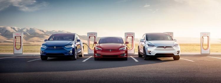 Новые зарядные станции от Tesla: заряжают батарею на 120 км хода за 5 мин - 1