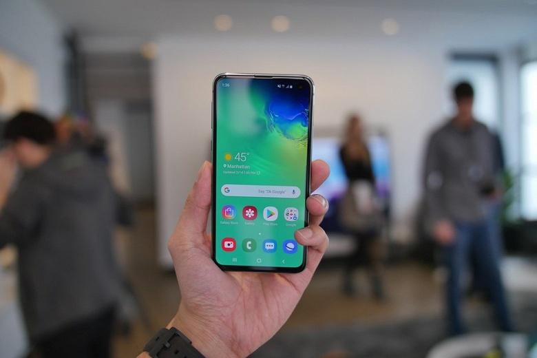 В полтора раза хуже, чем у iPhone XR: автономность смартфона Samsung Galaxy S10e оказалась не на высоте