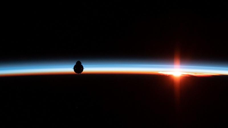 Посадка Crew Dragon и видео выстрела по астероиду - 2