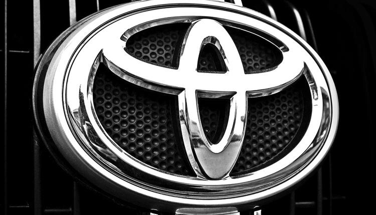Toyota предлагает распылять в лицо угонщикам слезоточивый газ
