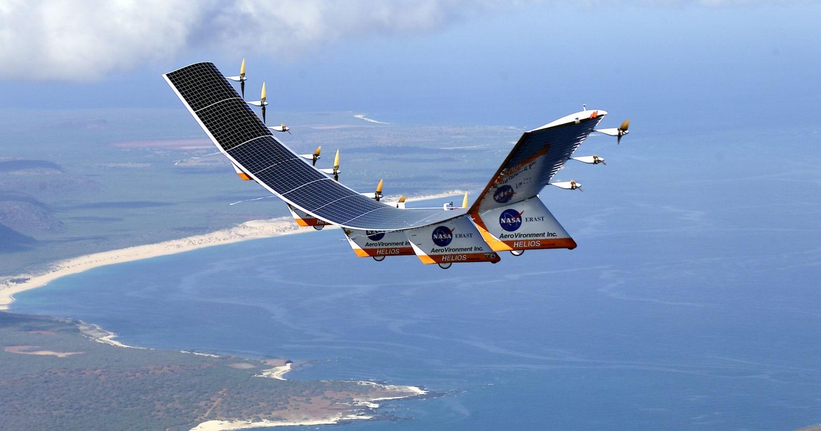Огромный беспилотник для высотных полетов: несущий Wi-Fi