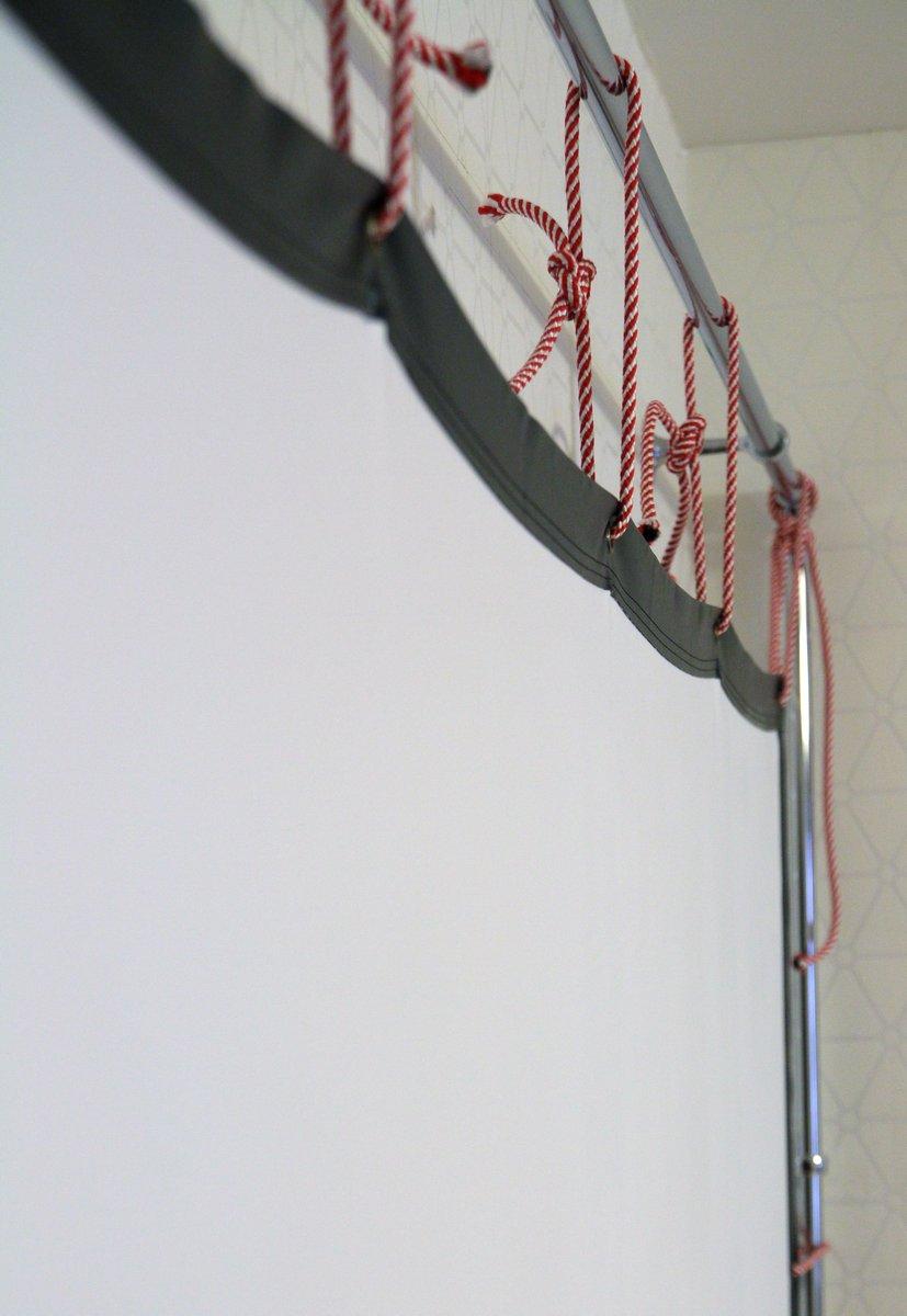 Сказ о том, как я собирал 120-дюймовый домашний кинотеатр из труб, веревок, складного экрана и черного бархата - 28