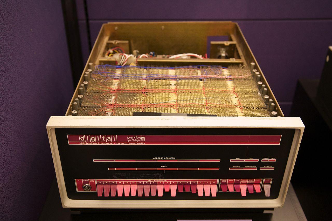 Эмулятор ЭВМ из 80-х в браузере - 1
