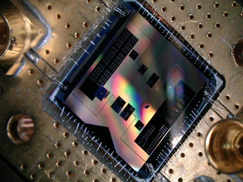Фотоны, кванты и состояние Фока: манипуляции с радиочастотным резонатором на квантовом уровне - 1