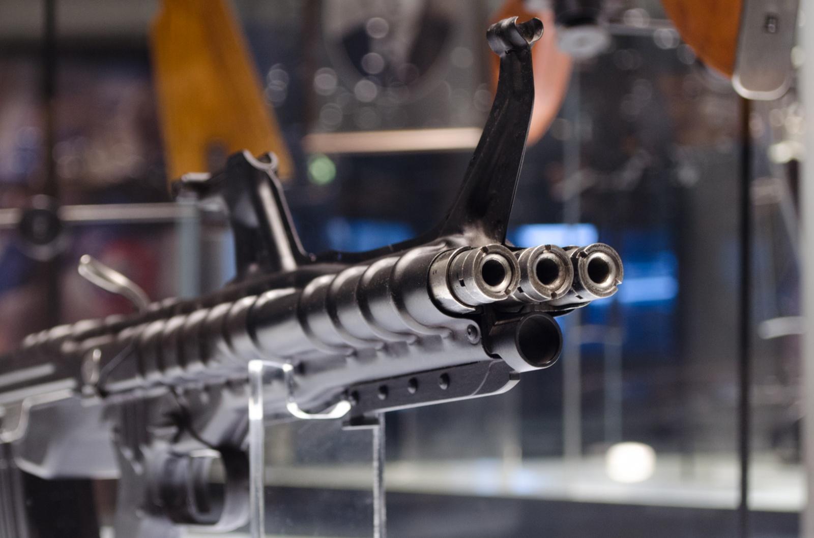 Что курил конструктор: необычное огнестрельное оружие - 1