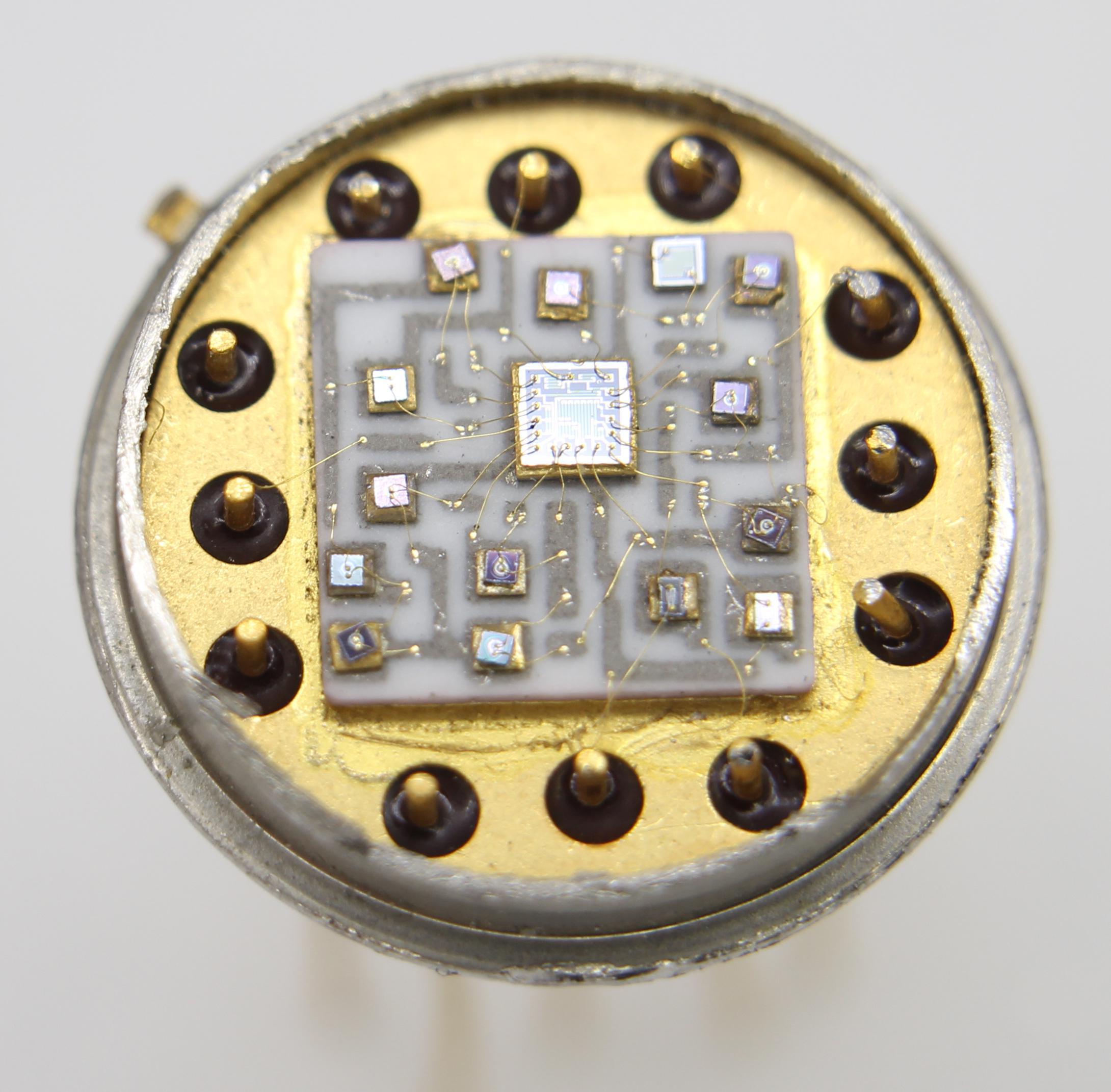 Такой же, как на Луне: обратный инжиниринг модуля гибридного операционного усилителя - 2