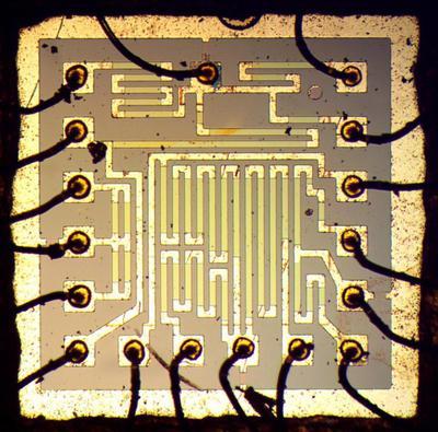 Такой же, как на Луне: обратный инжиниринг модуля гибридного операционного усилителя - 6