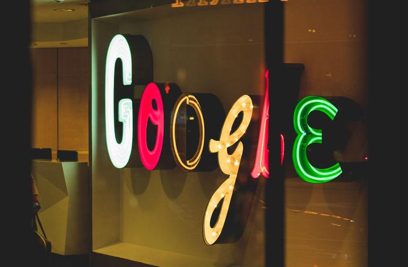 Кандидат в президенты США предложила разделить бизнес Amazon, Google и Facebook для стимулирования конкуренции - 1