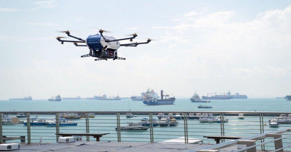 Дрон Airbus начал доставлять грузы на корабли