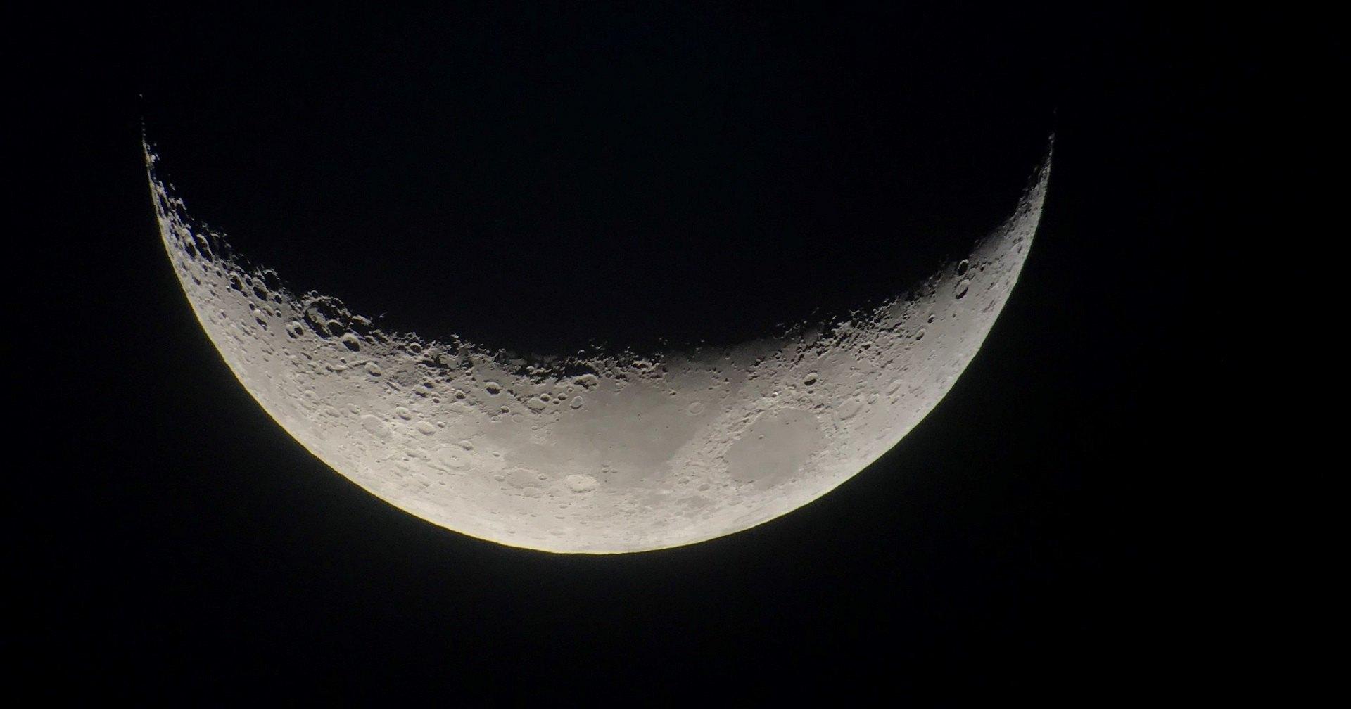 «Роскосмос» скоро полетит на Луну