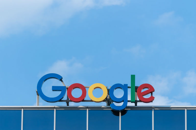 Власти Евросоюза оштрафовали Google на $1,7 млрд за блокировку рекламы конкурентов - 1