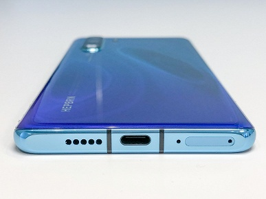 Флагманские смартфоны Huawei P30 и P30 Pro представлены официально