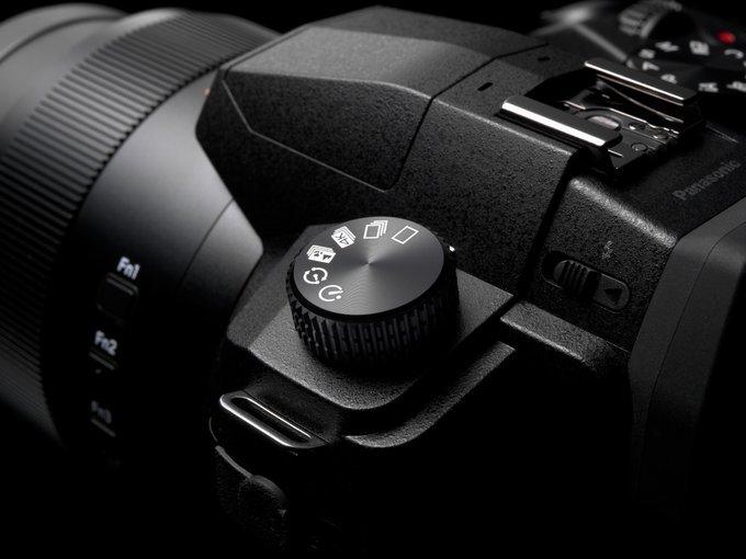 Следующая камера линейки Leica V-Lux зарегистрирована в BRTI