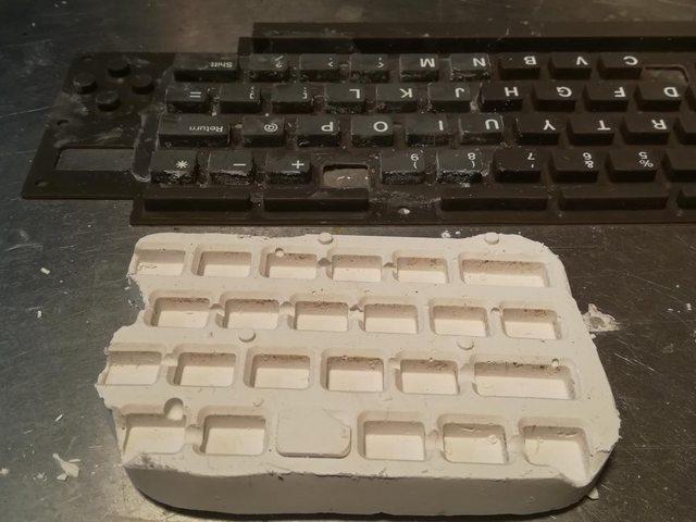 Изготовление реплик отсутствующих клавиш для «резиновой» клавиатуры Commodore 116 - 13
