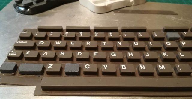 Изготовление реплик отсутствующих клавиш для «резиновой» клавиатуры Commodore 116 - 25