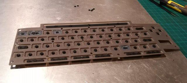 Изготовление реплик отсутствующих клавиш для «резиновой» клавиатуры Commodore 116 - 28