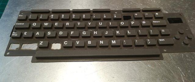 Изготовление реплик отсутствующих клавиш для «резиновой» клавиатуры Commodore 116 - 6