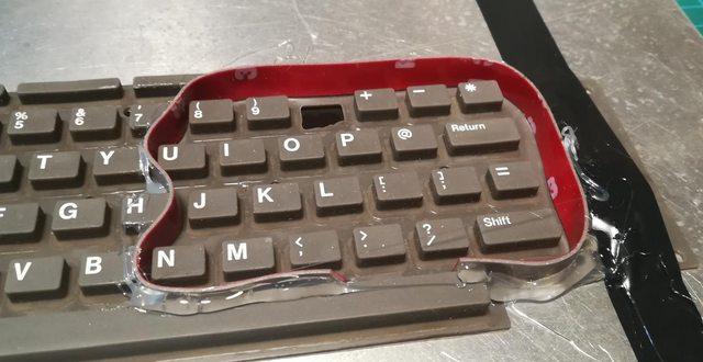 Изготовление реплик отсутствующих клавиш для «резиновой» клавиатуры Commodore 116 - 8