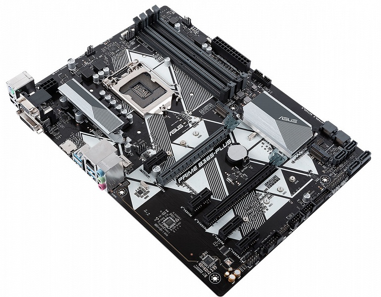 Системная плата Asus Prime B365-Plus выполнена в типоразмере ATX
