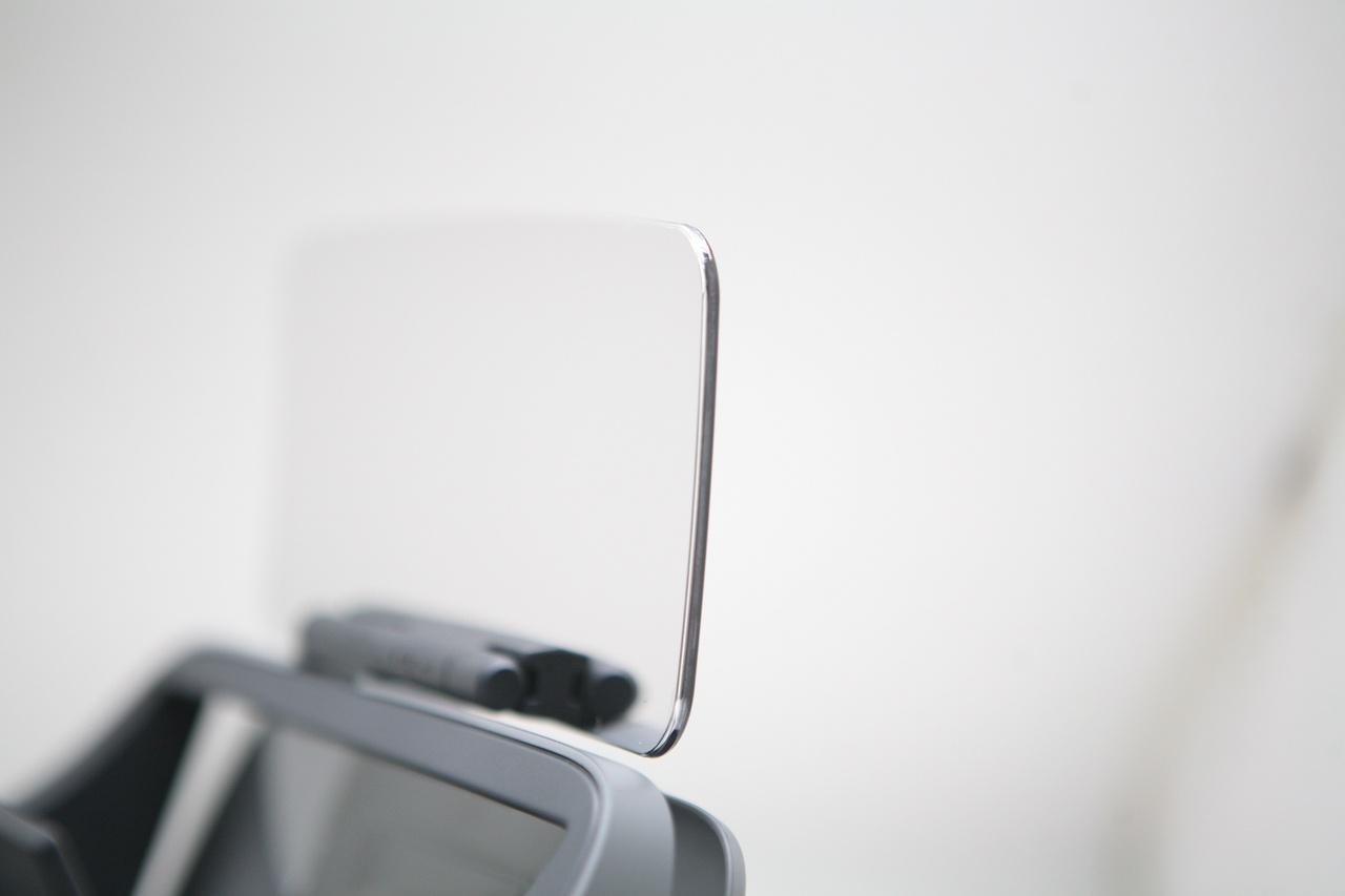 Занятный опыт просмотра видео: вместо VR — очки с зеркалами Ximmerse Visor-X - 4