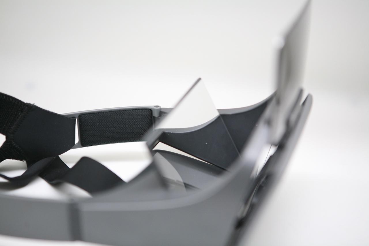 Занятный опыт просмотра видео: вместо VR — очки с зеркалами Ximmerse Visor-X - 5