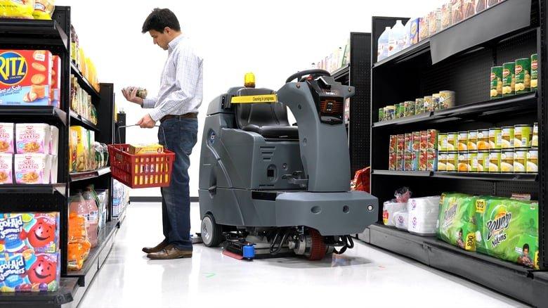 Еще больше роботов: Walmart внедряет тысячи машин для работы в своих магазинах - 2