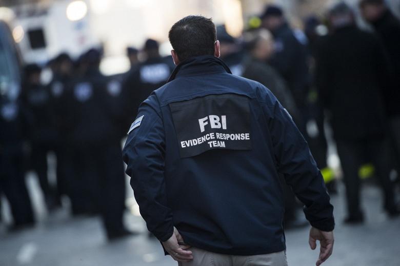 Хакеры опубликовали личные данные примерно 4000 полицейских и федеральных агентов США