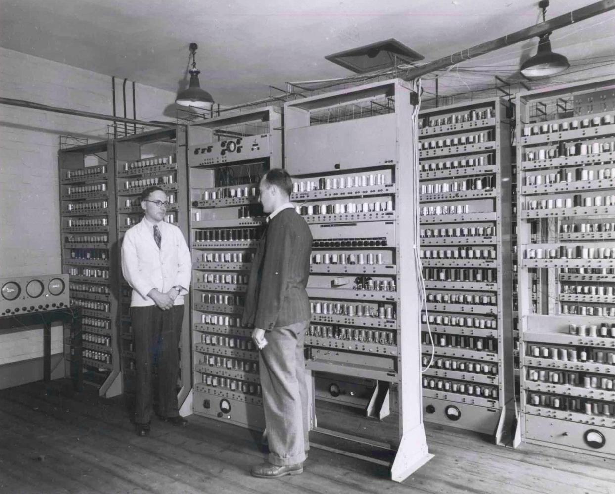 История электронных компьютеров, часть 4: электронная революция - 1