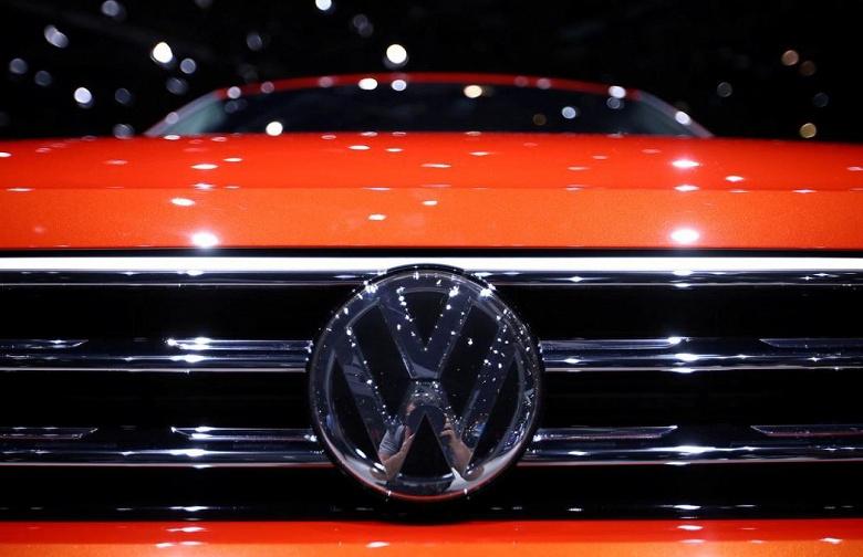 Volkswagen подталкивает партнеров по выпуску аккумуляторов к строительству «гигафабрик»